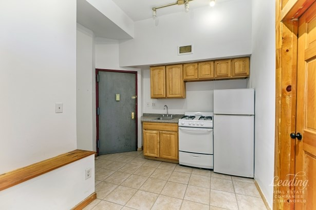 Rent Stabilized Rarity 1, Carroll Gardens, NY - USA (photo 4)