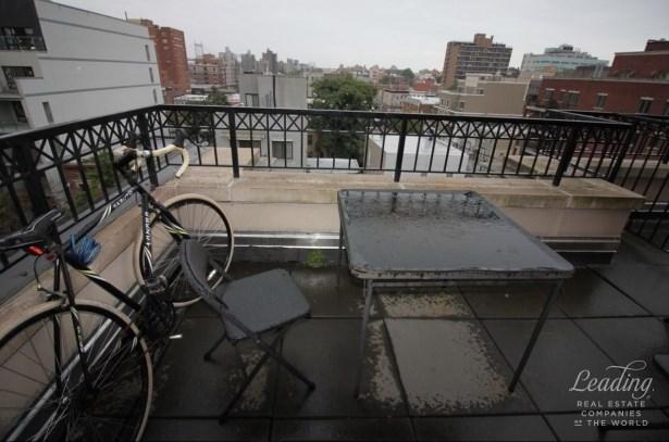 Fantastic 1bed/2bath Duplex In Astoria 6a, Astoria, NY - USA (photo 1)