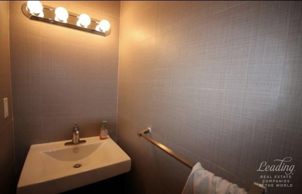 Fantastic 1bed/2bath Duplex In Astoria 6a, Astoria, NY - USA (photo 2)