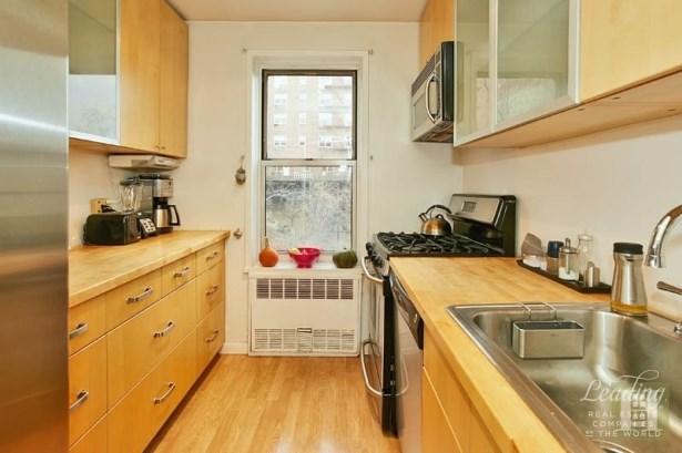 66 Overlook Terrace 4m 4m, New York, NY - USA (photo 5)
