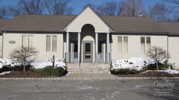 59 Lapis Circle Townhouse, West Orange, NJ - USA (photo 2)