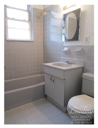 Beautiful Conv. 2-bed 2r, Astoria, NY - USA (photo 5)
