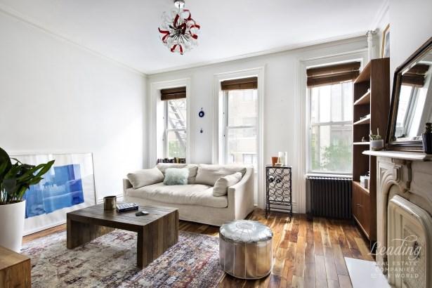 21 Downing Street, New York, NY - USA (photo 2)