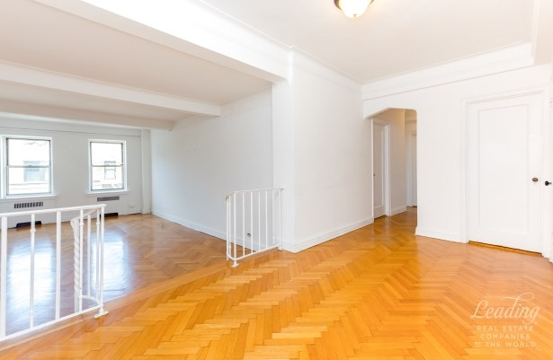 255 Cabrini Boulevard 6c 6c, New York, NY - USA (photo 2)