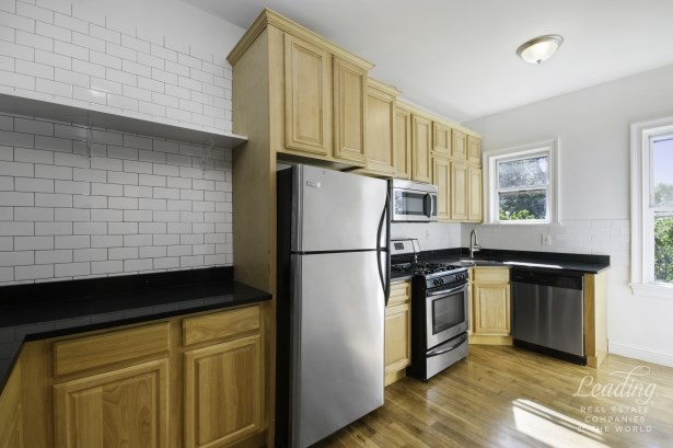 1108 Madison Street Apartment 2 2, Bushwick, NY - USA (photo 2)