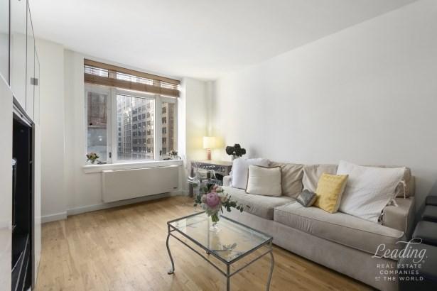 502 Ninth Avenue 5a, New York, NY - USA (photo 1)
