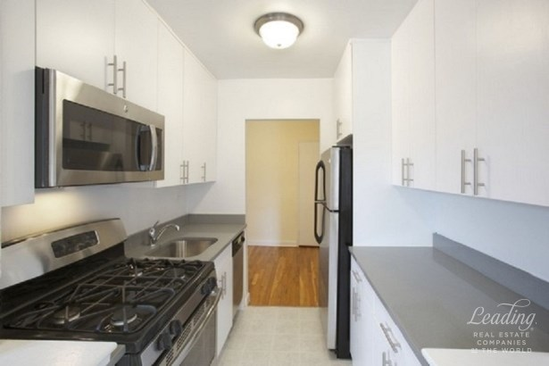Amazing Renovated 2 Bed & 1.5 Bath 4e, Sunnyside, NY - USA (photo 1)
