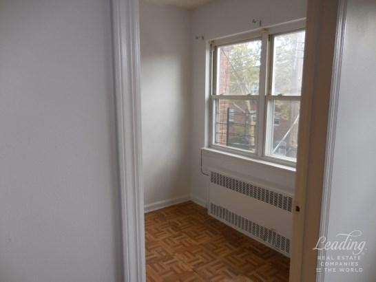 47 Street 3, Astoria, NY - USA (photo 5)