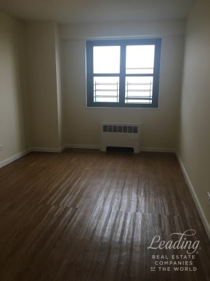 2br With Panoramic Views In The Bronx 11j, Bronx, NY - USA (photo 4)