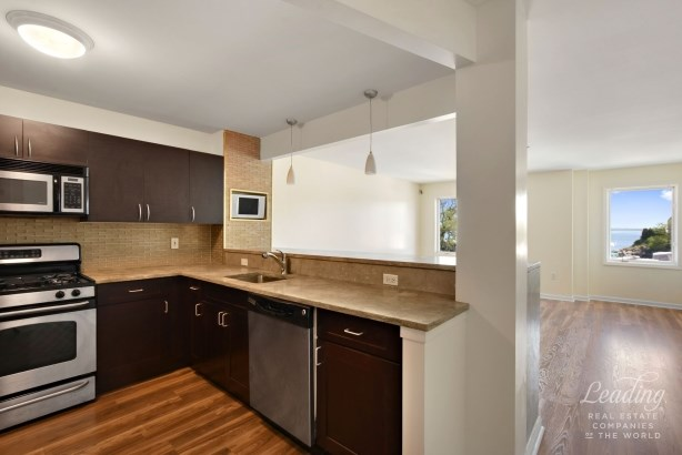 1490 Outlook Avenue 2l 2l, Country Club, NY - USA (photo 2)