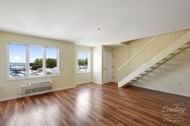 1490 Outlook Avenue 2l 2l, Country Club, NY - USA (photo 3)