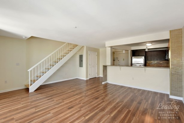 1490 Outlook Avenue 2l 2l, Country Club, NY - USA (photo 4)