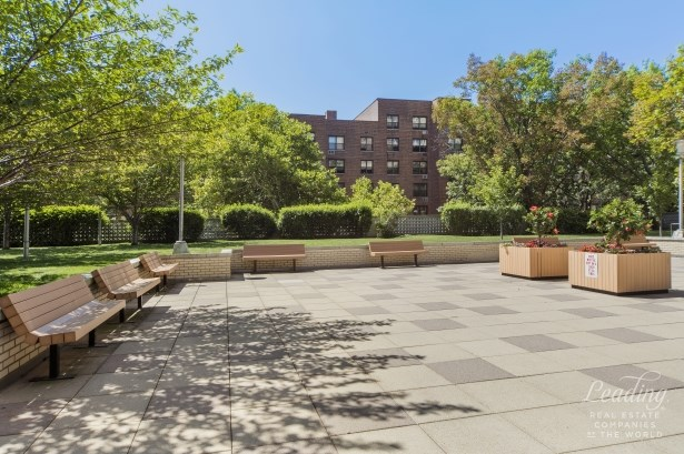 102 -10 66th Road 15f 15f, Forest Hills, NY - USA (photo 2)
