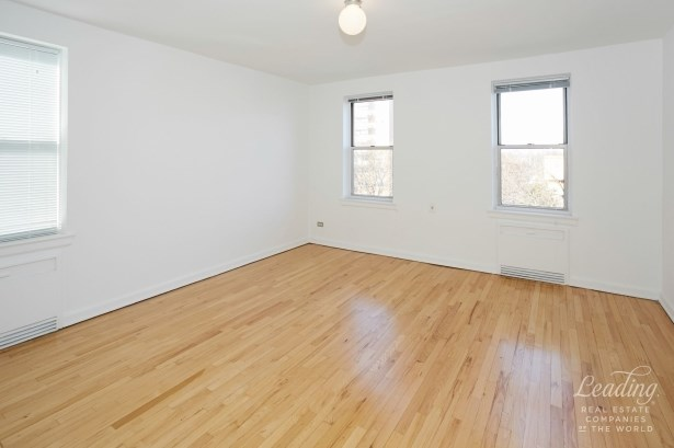 110 -20 71st Avenue 429 429, Forest Hills, NY - USA (photo 3)
