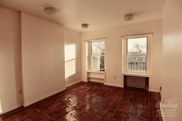 Classic One Bed Plus Separate Den 3, Carroll Gardens, NY - USA (photo 1)