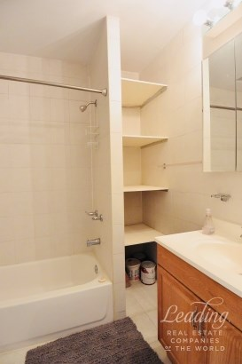 Classic One Bed Plus Separate Den 3, Carroll Gardens, NY - USA (photo 4)