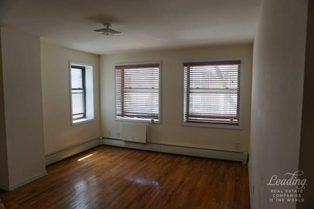 Atkins Avenue 2, East New York, NY - USA (photo 2)