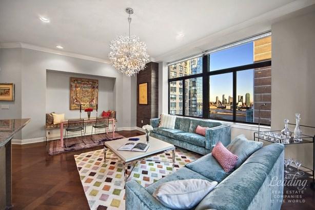 310 East 46th Street 15m, New York, NY - USA (photo 1)