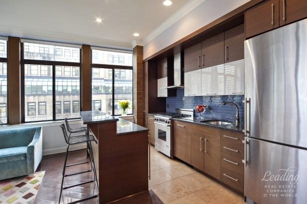 310 East 46th Street 15m, New York, NY - USA (photo 3)