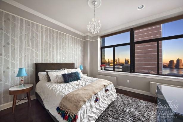 310 East 46th Street 15m, New York, NY - USA (photo 4)