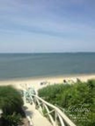 Hampton Bays, NY - USA (photo 1)