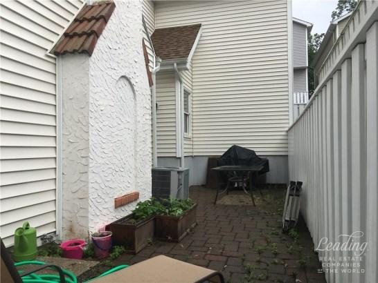 103 Highview Avenue A, Stamford, CT - USA (photo 3)