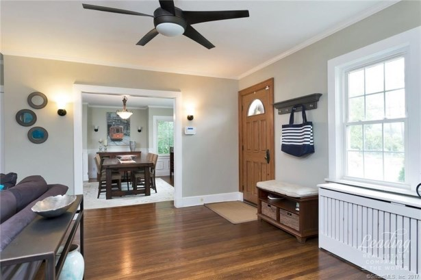 4 Howes Avenue, Stamford, CT - USA (photo 3)