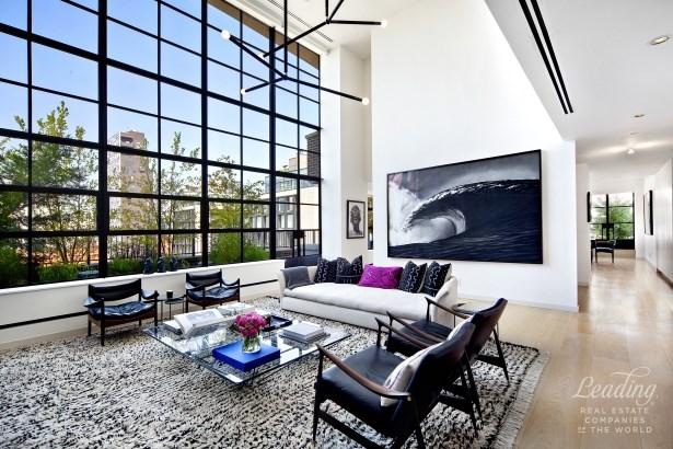 Striking Penthouse Loft Phh, New York, NY - USA (photo 1)