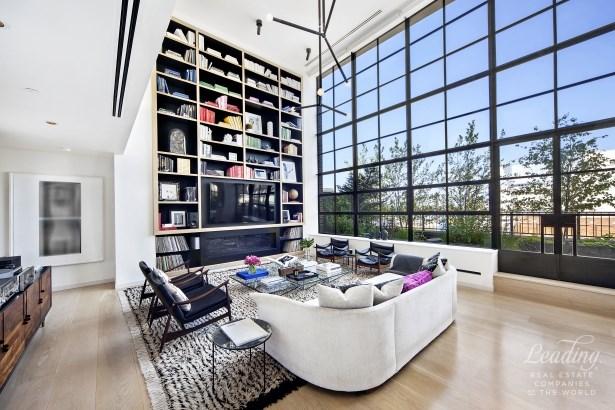 Striking Penthouse Loft Phh, New York, NY - USA (photo 2)