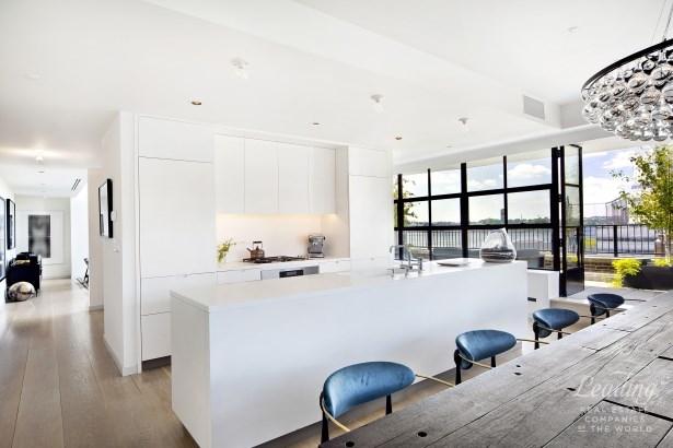 Striking Penthouse Loft Phh, New York, NY - USA (photo 3)
