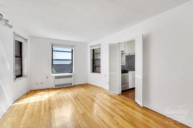 34 -20 78th Street 1a 1a, Jackson Heights, NY - USA (photo 1)