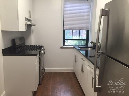 Rent Stabilized  Renovated 1 Bedroom A62, Sunnyside, NY - USA (photo 1)