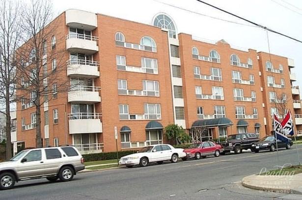205 Mineola Blvd 2b 2b, Nassau, NY - USA (photo 3)