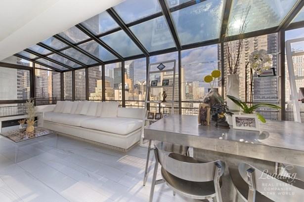 2 Bedroom Penthhouse Condop Pha, New York, NY - USA (photo 3)