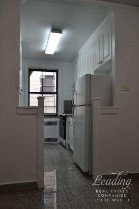 802 West 190th Street 2a 2a, New York, NY - USA (photo 1)