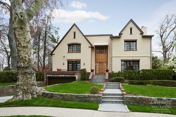 36 Wendover Road, Forest Hills, NY - USA (photo 1)