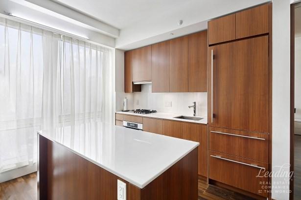 400 Fifth Avenue 31g, New York, NY - USA (photo 3)