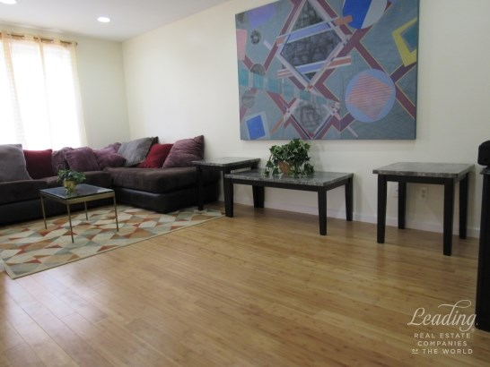 72 -11 110th Street 6d 6d, Forest Hills, NY - USA (photo 3)