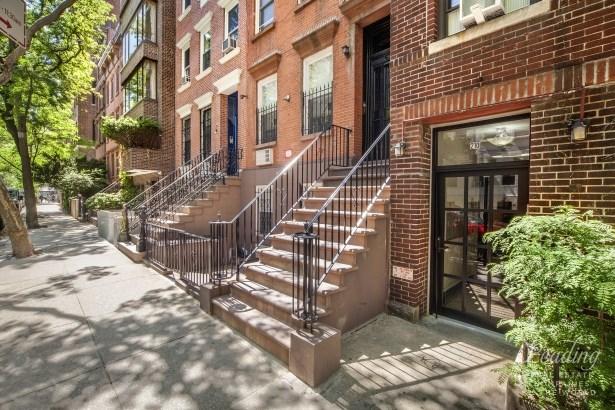 212 East 31st Street, New York, NY - USA (photo 2)
