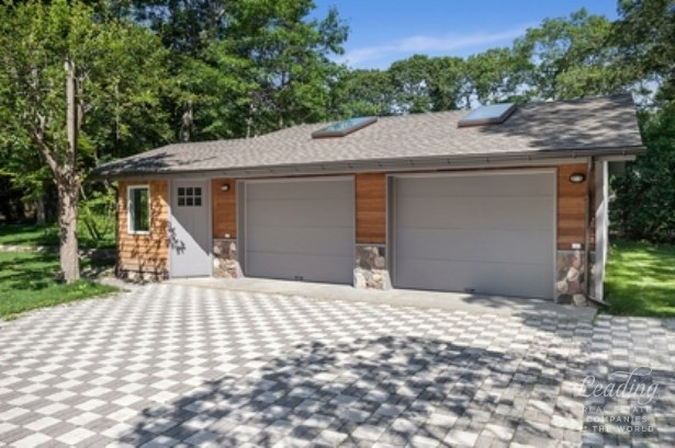 422b Montauk Hwy, East Quogue, NY - USA (photo 4)