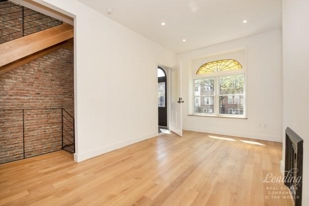 391 Bainbridge Street, Brooklyn, NY - USA (photo 4)