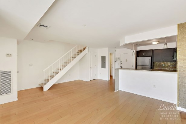 1490 Outlook Avenue N5 N5, Country Club, NY - USA (photo 1)
