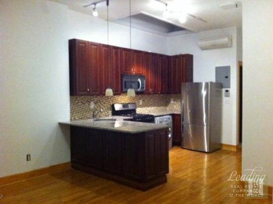 One Bedroom That Feels Like A Two! Apt 3, New York, NY - USA (photo 1)