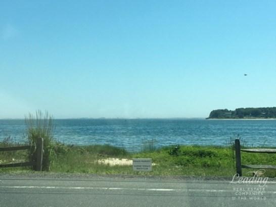 20a Oceanview Road, Hampton Bays, NY - USA (photo 2)