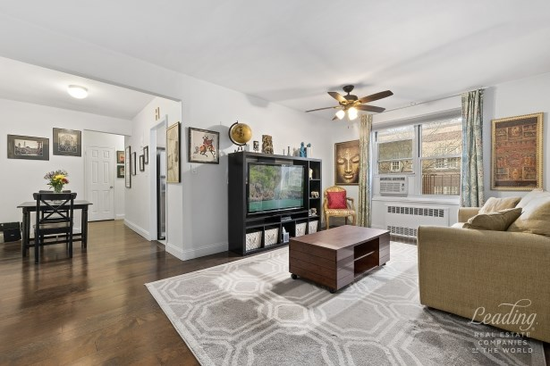 34 -15 74th Street 4c 4c, Jackson Heights, NY - USA (photo 1)
