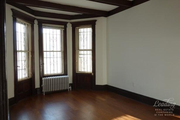 Renovated 3 Bedroom With Old Charm 2, Flatbush, NY - USA (photo 3)