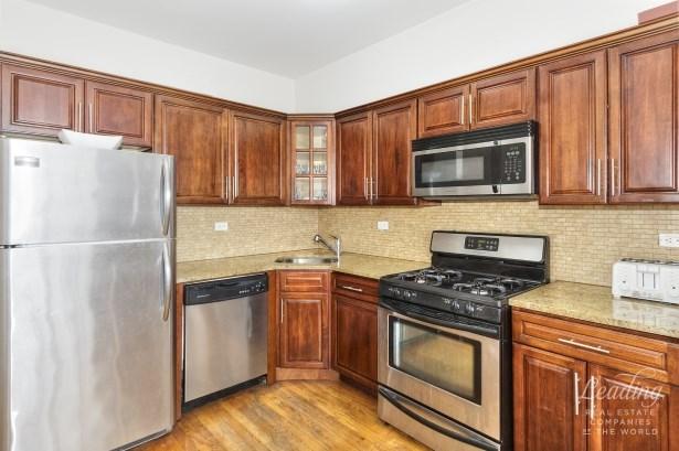 8612 Glenwood Road 3, Canarsie, NY - USA (photo 2)