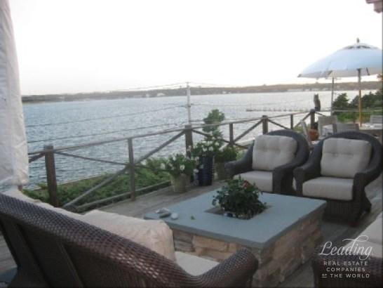 Hampton Bays, NY - USA (photo 3)