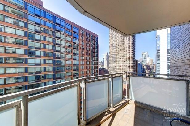 300 East 40th Street 22k 22k, New York, NY - USA (photo 5)