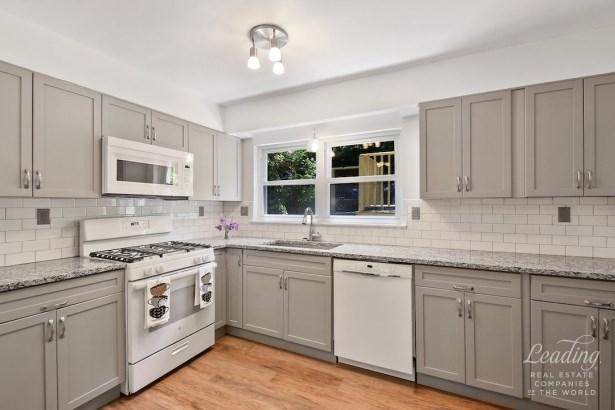 412 West 255th Street House House, Riverdale, NY - USA (photo 2)